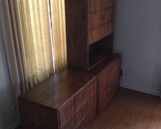 Wood Cabinets & Hutch (3Pcs) https://ctbids.com/#!/description/share/209645