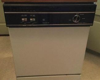 GE Portable Dishwasher with Butcher Block Top https://ctbids.com/#!/description/share/209707