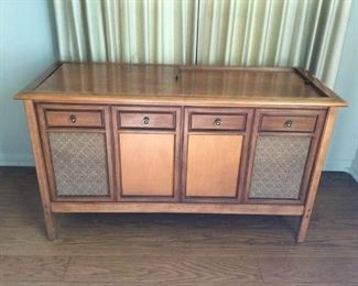 MCM Record Player with Speakers Console Vintage https://ctbids.com/#!/description/share/209785