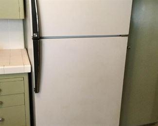 Amana Refrigerator Freezer Model 18 https://ctbids.com/#!/description/share/209666