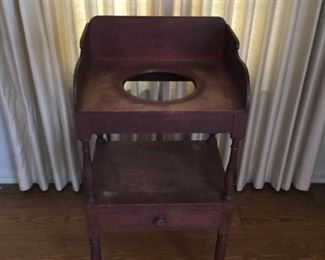 Antique Wood Washstand     https://ctbids.com/#!/description/share/209741
