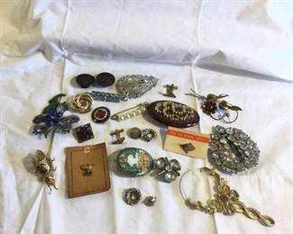 Vintage Jewelry 24 PiecesVintage Jewelry 24 Pieces https://ctbids.com/#!/description/share/209751