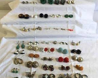 Vintage Clip Earrings 91 Piece https://ctbids.com/#!/description/share/209753