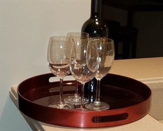 01 Wine Glasses with Tray
