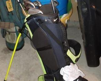 16 Golf Clubs