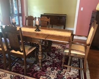 Dining Table & Matching Chairs (6)
