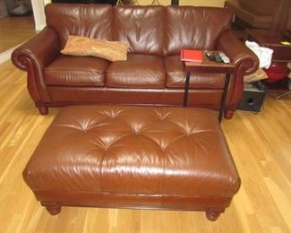 Thomasville Leather Living Room Suite