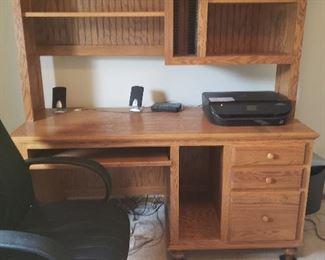 Nicer oak computer desk