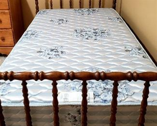 Jenny Lind twin bed complete