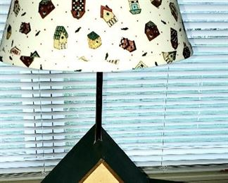 Birdhouse lamp