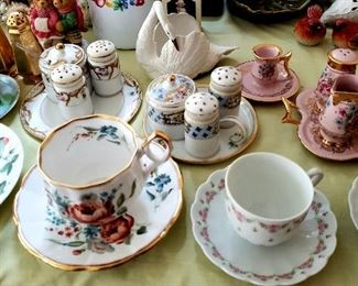 Lots of miniatures & cup & saucers