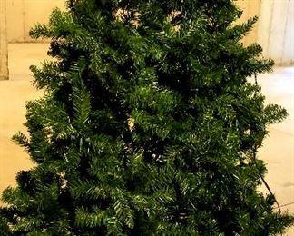 Lighted Christmas tree & skirt