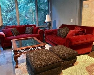 Thomasville: Tables, Couches & Ottomans