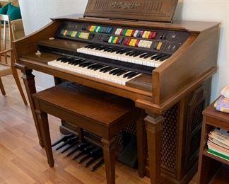 Lowrey Magic Genie 98 Organ38x46x24inHxWxD