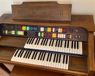Lowrey Magic Genie 98 Organ	38x46x24in	HxWxD