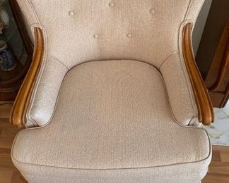 Vintage Upholstered Wood Accent Chair 	31x29x31in	HxWxD