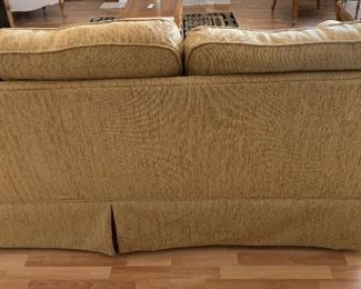 Broyhill Contemporary Fabric Sofa/Couch35x84x38inHxWxD