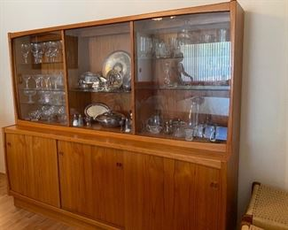 Copenhagen Danish Modern Teak Hutch Buffet Sideboard China Cabinet	62x73x19.5in HxWxD