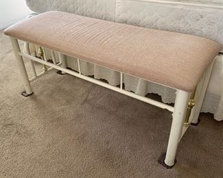 Metal frame padded bench	18x41x15in	HxWxD