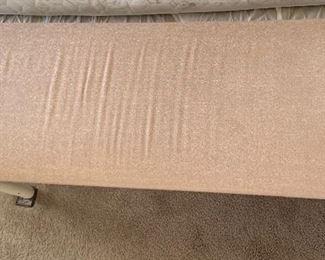 Metal frame padded bench18x41x15inHxWxD