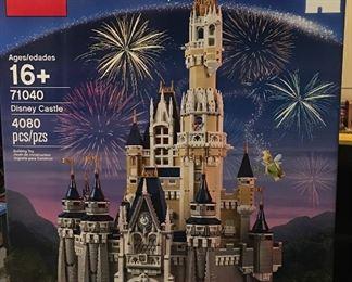 LEGO Disney Castle 4080 pieces # 71040