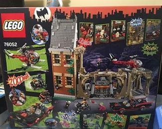 LEGO Classic Batcave # 76052