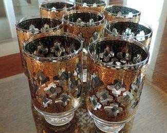 SET OF MID CENTURY DRINKING GLASSES