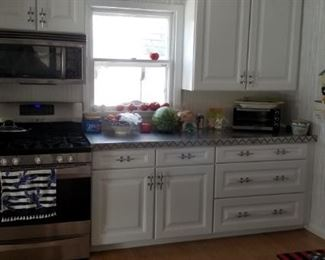 Lots of lovely kitchen cabinetry