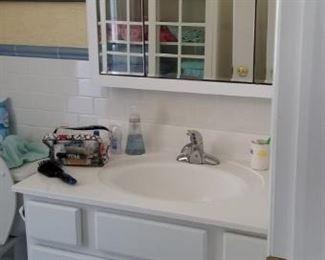Nice bath vanity & mirrored cabinet