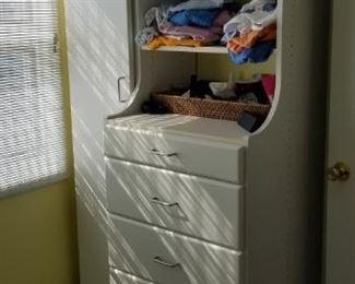 Wardrobe - freestanding