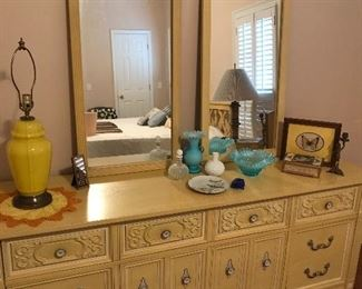 Triple dresser and mirrors