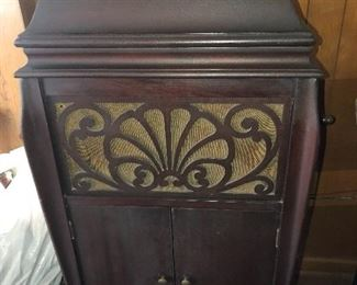 Victrola in great shape