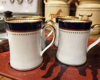 Set of 4 Cups.  Me and my four friends need these when we get up for coffee at 4 AM