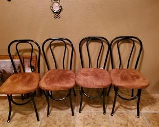 4 Chairs.  Really, Brian, you had to describe this?