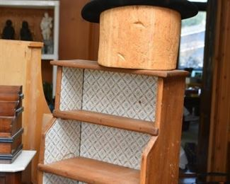 Wooden Hat Stand, Men's Hat, Small Primitive Wooden Display Shelf / Curio