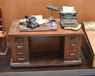 Miniature Desk / Dollhouse
