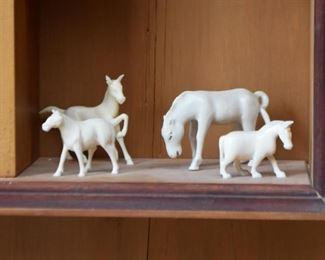 Horse Figurines / Miniatures