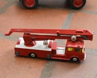 Vintage Metal Corgi Simon Snorkel Fire Engine Toy