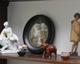 Figurines & Miniatures