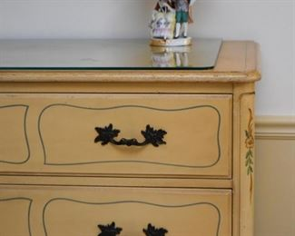 French Provincial Lowboy Chest of Drawers / Dresser