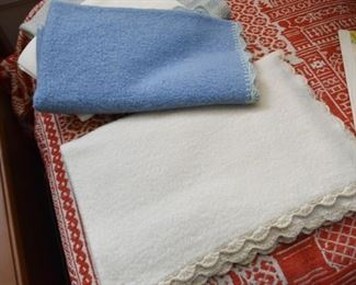 Bed Linens / Blankets