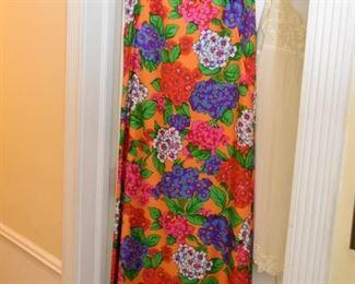 Vintage Women's Clothing / Dresses