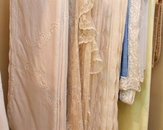 Table Linens / Tablecloths