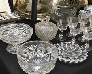 Crystal & Glassware (Bowls, Candy Dishes, Pedestal Dishes, Etc.)