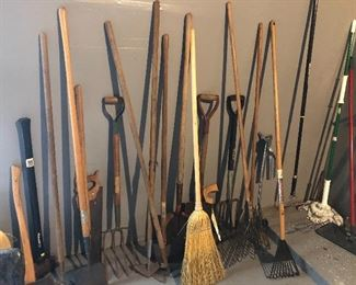 hand tools and garden tools