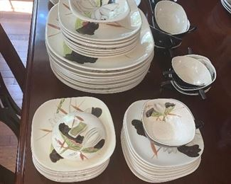 54 pieces Red Wing Lotus dinnerware
