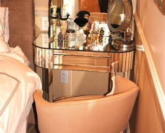 Mirrored Vanity with Mirror and Chair