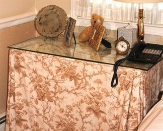 Decorative Items and Lamp with Small Clock