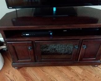 Very pretty TV stand with lots of storage