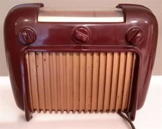 Antique Crosley radio (deco only....needs work).